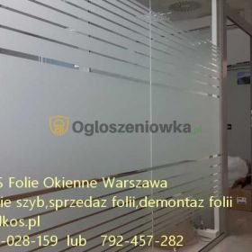 Demontaż folii z szyb -mycie szyb po naklejkach folii Warszawa  Usługa usuwania kleju